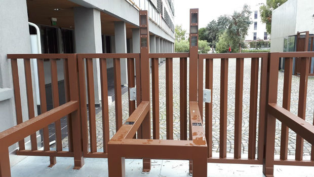 Portique à reconnaissance faciale installé en mai à l'entrée du lycée Les Eucalyptus à Nice – Facebook/La Quadrature du Net