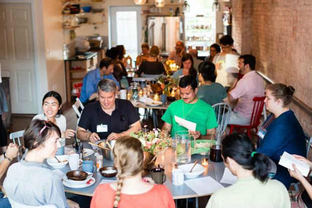 Aujourd'hui fermé, l'espace de coworking de l'église St Lydia à New York organisait des repas collectifs - StLydias.org