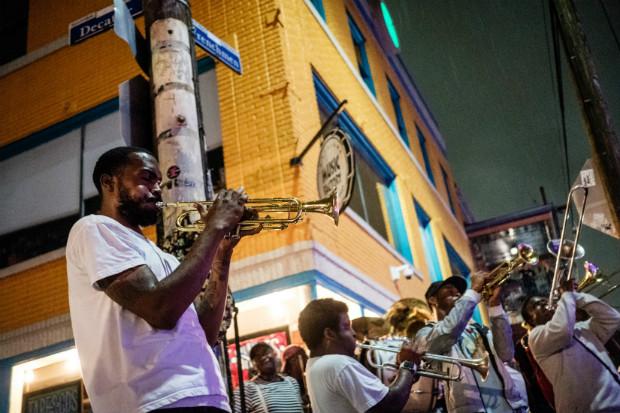 Groupe de musique dans la rue à la Nouvelle-Orléans