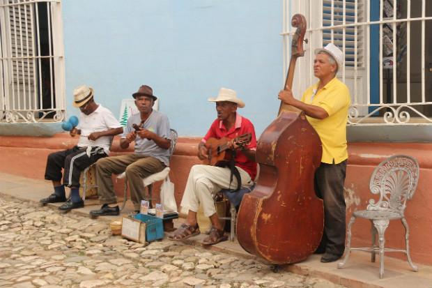 Musiciens de salsa à Cuba