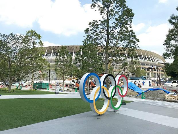 Construction du nouveau stade olympique par l'architecte Kengo Kuma ©️Tokyo-good sur Wikipedia