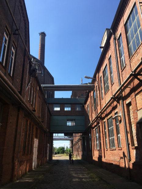 Ancienne usine de raffinage du sucre de Dessau, utilisée pour la production de Zyklon B pendant la seconde guerre mondiale, et aujourd'hui partiellement utilisée pour une activité de fermentation, mais à l'abandon pour la plus grande partie - Gaëtan Kimmel