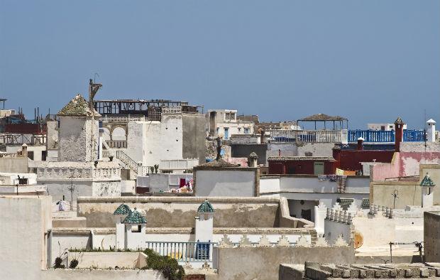 Les toits de la ville d'Essaouira au Maroc, des lieux de vie à part entière. - source : DanielWanke via Pixabay