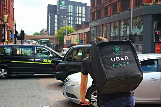 Livreur Uber Eats à vélo - Shopblocks/Flickr