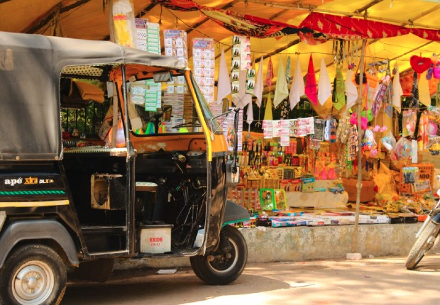Investissement d'une rue indienne ©️ Belle Maluf via Unsplash