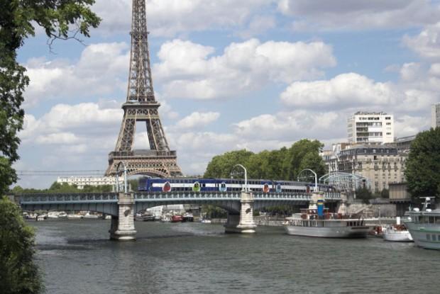 Le RER C traversant Paris ©️ Wikipédia