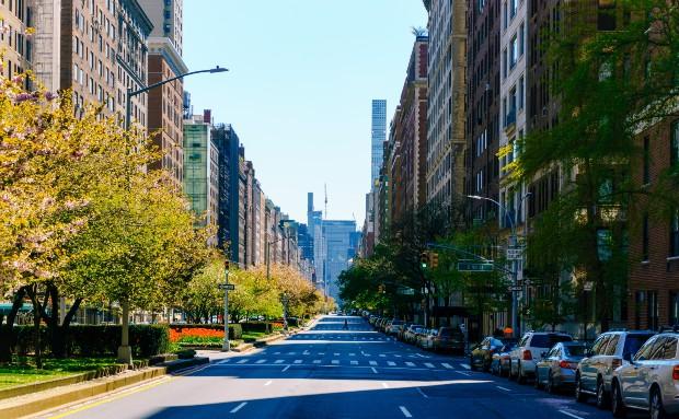 2020 a mis des villes à l'arrêt. ©️Clay LeConey via Unsplash