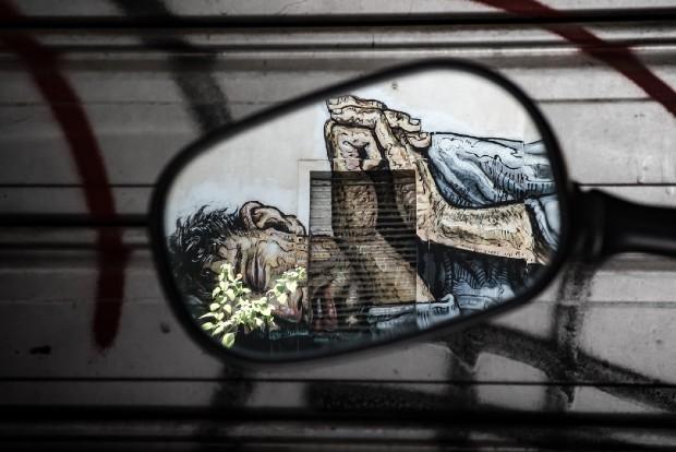 Une fresque murale dans le quartier alternatif d'Exarcheia via unsplash
