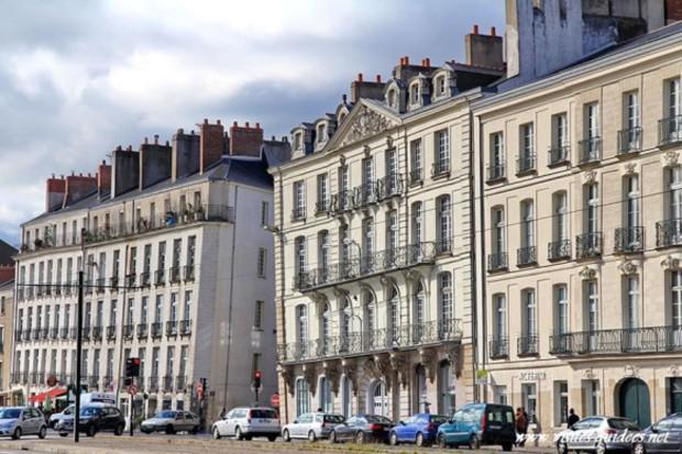 Petit problème d'alignement à Nantes - Girls n' Nantes