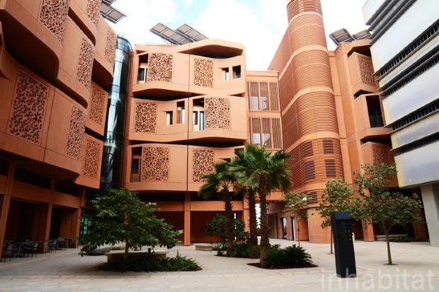 À Abou Dhabi, un des rares quartier de Masdar City qui soit terminé - Masdar City LEAD/Flickr