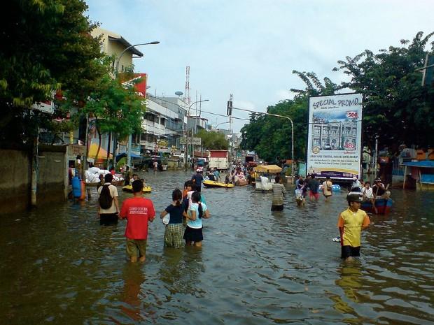 Double menace à Jakarta, la subsidence et la montée des eaux - Charles Wiriawan/Flickr
