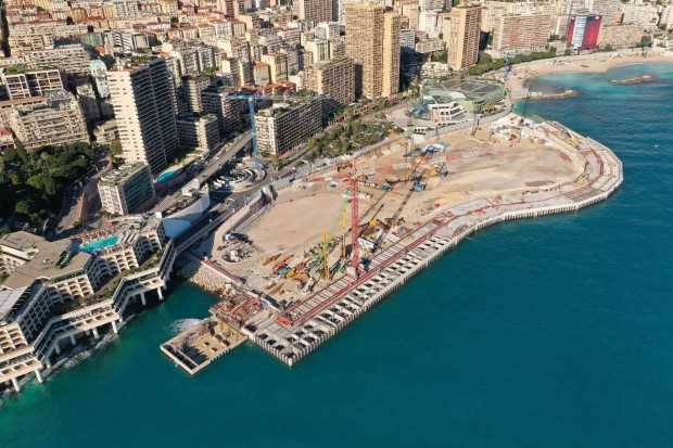 Construction du terre-plein qui accueillera le nouveau quartier de Monaco - Bouygues TP