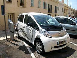 Voiture électrique de Peugeot - Photographe : Kevin . B