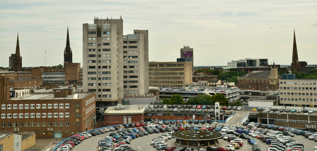 Vue de la skyline du centre-ville de Coventry, dans le comté des West Midlands, en Angleterre. Crédit : Anthony & Henri / Wikimédia