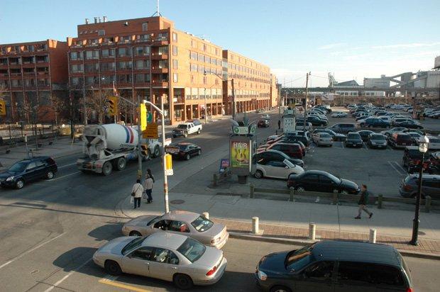 La ville de Toronto est l'une des plus embouteillées au monde. Copyright : Adam Muise / Flickr