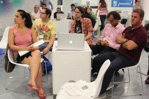 Réunion de travail au Transmedia Living Lab de Madrid. Copyright : Espacio Camon / Flickr