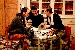Nous sommes deux architectes fraîchement diplômés de l'ENSAM, école nationale d'architecture de Montpellier (Antoine et Tristan), et un réalisateur au parcours voyageur (Jérémy)
