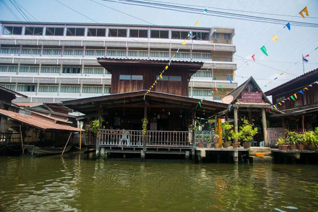 L'eau qui fait parti de l'identité de la ville de Bangkok. Crédits : Architecture by Road