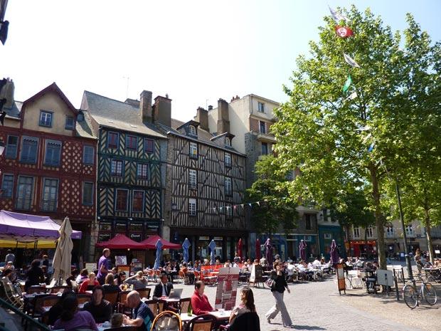 La place Sainte-Anne, à Rennes.  Copyright : TouN / Wikimedia