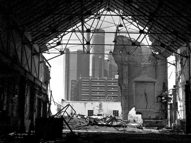 """Demolished Detroit Screw Works warehouse, Atwater & Riopelle.""  Source : https://www.flickr.com/photos/angelariel65/3002988713 (compte Flickr d'Angela Anderson Cobb)"