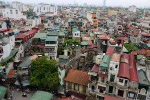 Depuis les roofs tops la vue est impressionnante, la ville est coupée au couteau, les maisons sont de fines tranches regroupées en ilots le long des avenues.