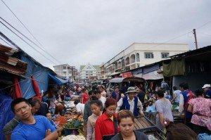 Article-1-photo-2-le-marche¦ü-du-matin-a¦Ç-Vientiane-620