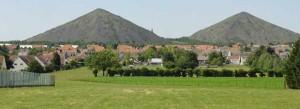Les terrils de Loos-en-Gohelle (Nord-Pas-de-Calais), une commune qui mise sur l'économie circulaire pour sortir de la crise économique. Copyright : Jérémy Jännick / Wikimedia