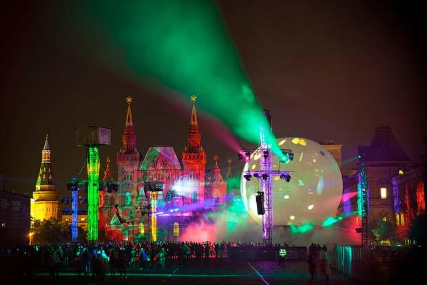 Le thème de l'édition 2014 du festival Circle of Light sera : « A worldwide journey » (« Voyage à travers le monde »)  Copyright : Pavel Kazachkov / Flickr