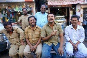 Chauffeurs taxi collectifs - Mumbai. Crédits : Clément Pairot