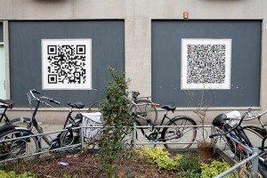 Affiches publicitaires QR codes. Crédits : Bauke Karel / FlickR