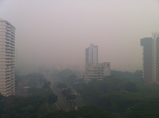 Pollution à Singapour. Copyright : Wolcott / Wikimedia