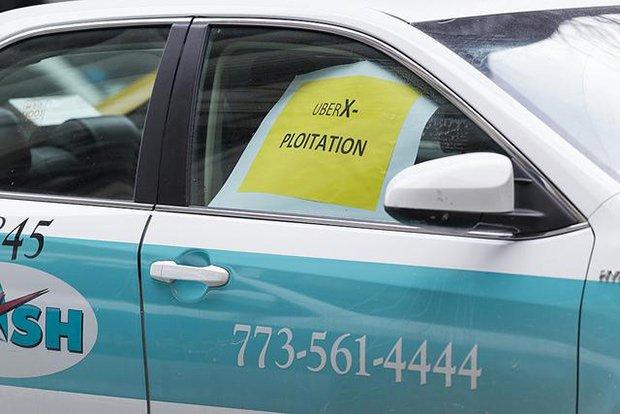 Pancarte Taxi. Crédits : Scott L / FlickR