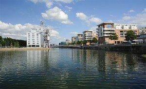 Les nouveaux logements le long du bassin Dusuzeau. Crédits : ADEUS