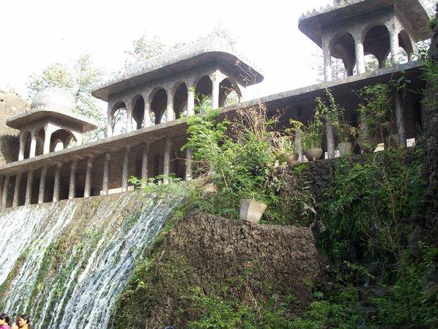 La cascade de Rock Gardens, à Chandigarh (Inde). Copyright : Nilesh Shintre / Flickr