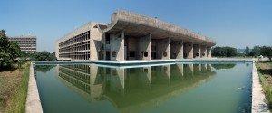 Le Palais de l'Assemblée, à Chandigarh, conçu par Le Corbusier. Copyright Duncid Flickr
