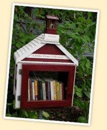 La première petite bibliothèque gratuite  construite par Todd Bol en hommage à sa mère.  © Littlefreelibrary