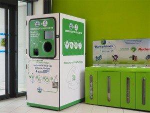 Les machines Lemon tri investissent les espaces publics mais aussi privés comme les grandes surfaces. Ici à Épinay-sur-Seine (Seine-Saint-Denis), dans un supermarché Auchan. Copyright : © Lemon Tri