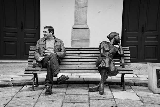 "Crédit : CC Hernán Piñera - ""Statues"" Source : https://www.flickr.com/photos/hernanpc/13807265534/"