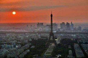 Tourner le dos à sa périphérie serait une erreur pour Paris - Crédits : Pedro Kümmel , Unsplash