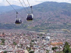 colombie telepherique quartier defavorises