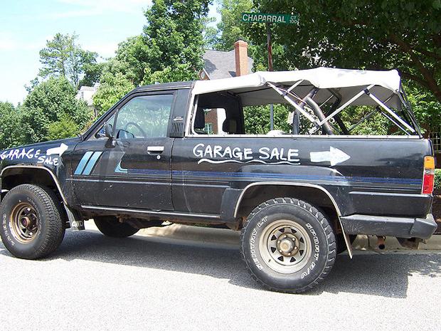 voiture garage panneaux signalisation