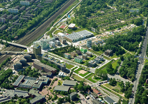 L'île de Wilhelmsburg gagne, grâce à l'IBA, le centre urbain qui lui manquait. © Falcon Crest Air / IBA Hamburg GmbH