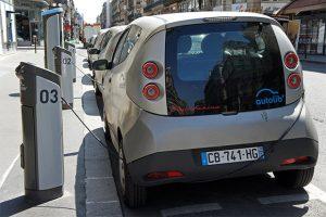 Station Autolib, voiture électrique en autopartage à Paris