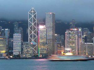 La ville est le lieu où s'exacerbent aujourd'hui les rivalités de pouvoir politique et économique ; même sur des petits territoires, comme ici à Hong Kong.