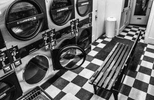 Symboles de la ville agile, les laveries automatiques évoluent et s'ouvrent à de nouveaux services.