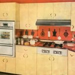 La mise en place de la cuisine toute « équipée » entre les années 1930 et 1970 a révolutionné la façon de cuisiner.