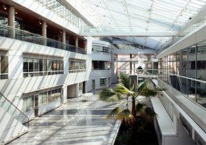 La rue hospitalière de l'hôpital Georges Pompidou. © academie-des-beaux-arts.fr