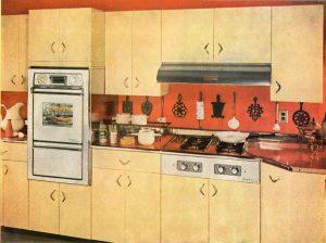 La cuisine toute équipée s'est développée à partir des années 1930.