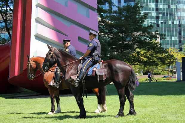 La police montée est ancienne et présente au Canada.