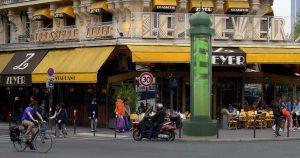 Des colonnes Morris pourraient servir à dépolluer les villes.